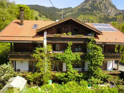 Haus-Ansicht-gaestehaus-tina