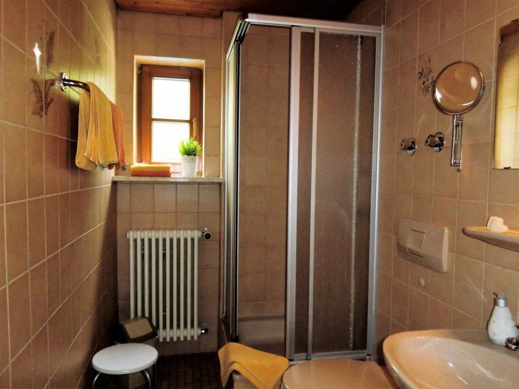 fewo3-badezimmer