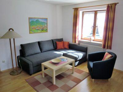 fewo3-wohn-schlafzimmer-couch
