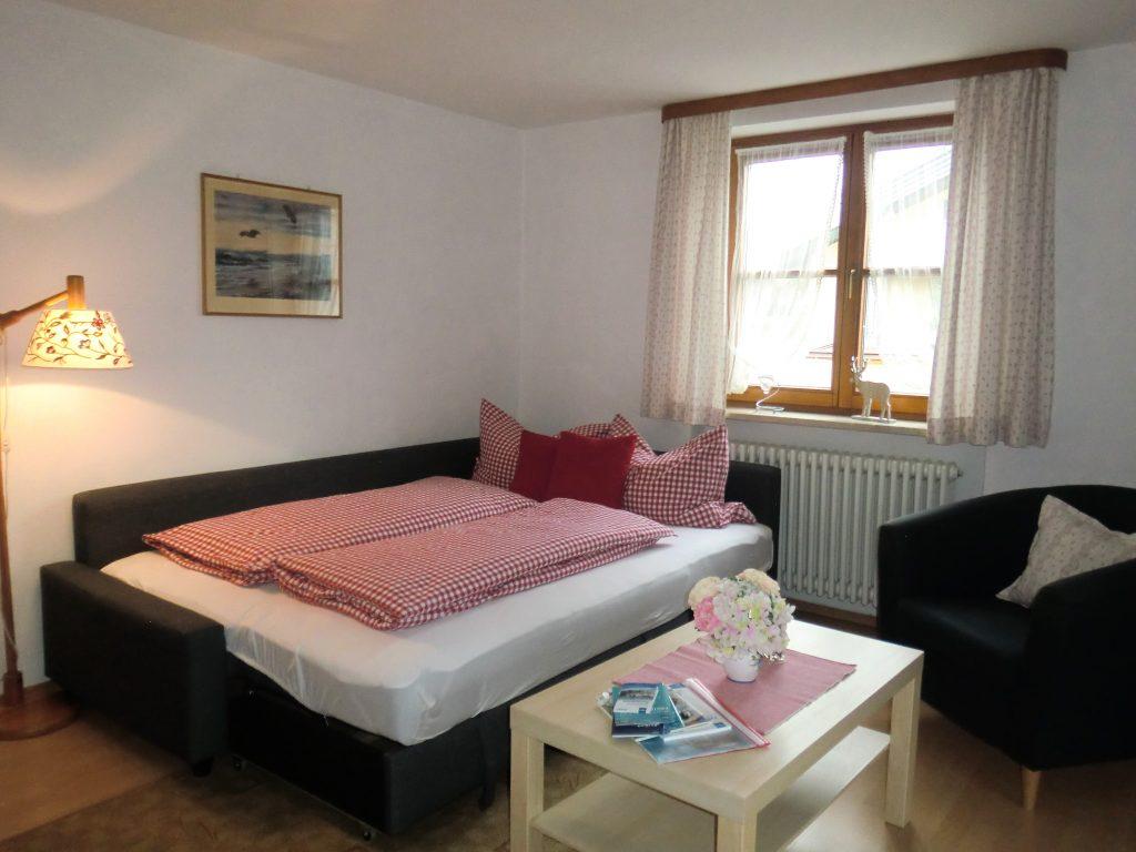 schlafcouch-wohn-schlafzimmer
