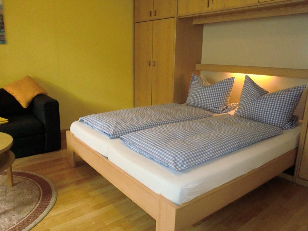 schlafzimmer-fewo2